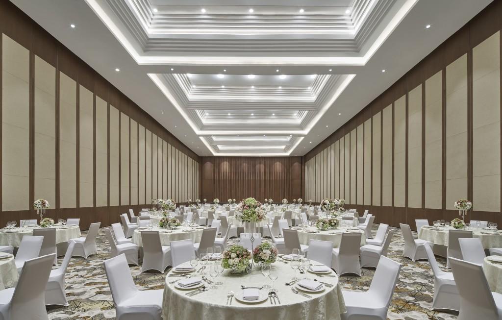 MH_JOGMC_ballroom_wedding