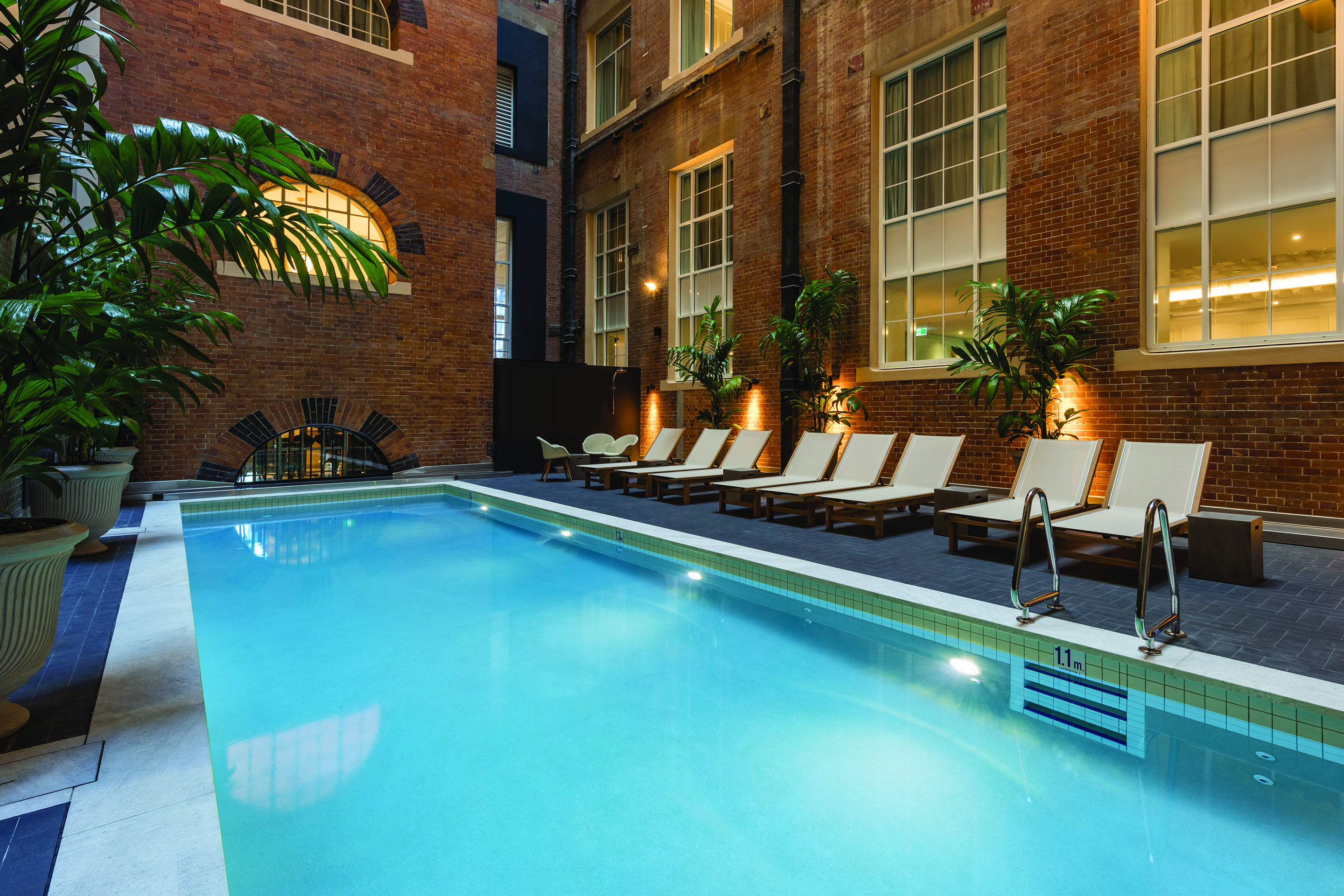 adina-apartment-hotel-brisbane-pool-2018
