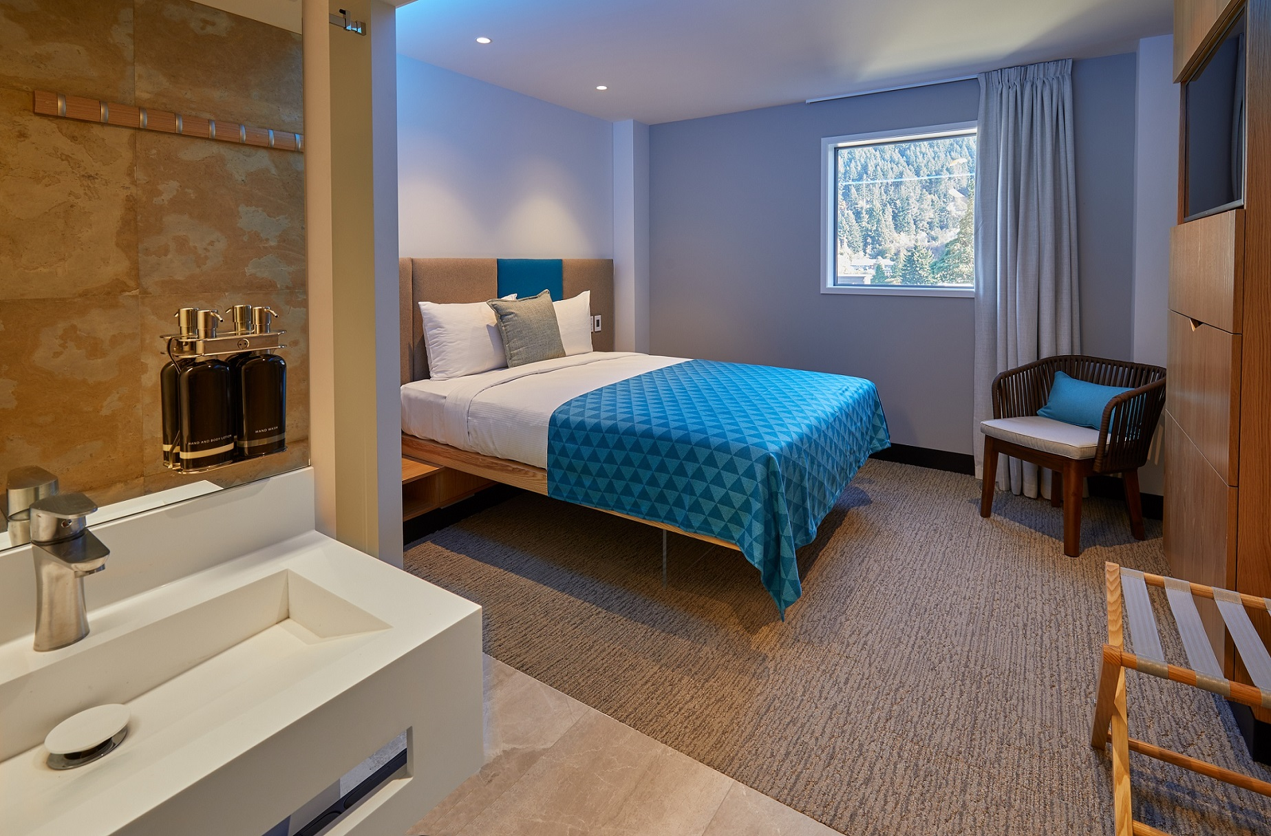 1-rooms-featuring-the-latest-technology-at-mi-pad-queenstown
