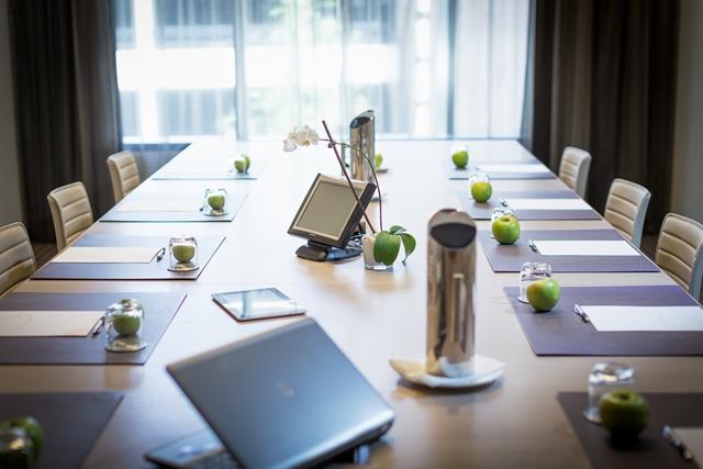 Fraser Suites Sydney conference room